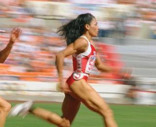 Florence-Griffith-Joyner-deux-sprints-au-gout-de-soufre_article_popin